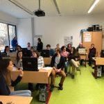 Lehrer beim Lernen & 1 freier Tag für die Schüler
